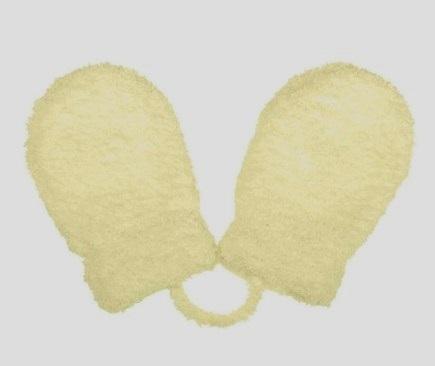 beeb11c8aae3 Zimné rukavičky pre novorodenca krémové so šnúrkou